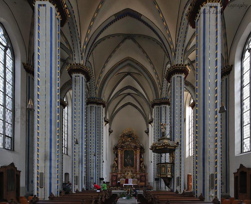 Namen-Jesu-Kirche, Bonn: Interior