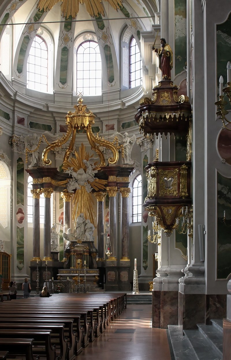 Jesuitenkirche, Mannheim: High Altar and Pulpit