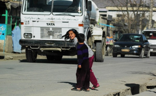 Crossing the road, Taimani, Kabul