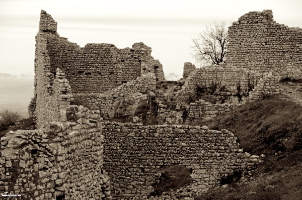 Ruine ardeche chateau