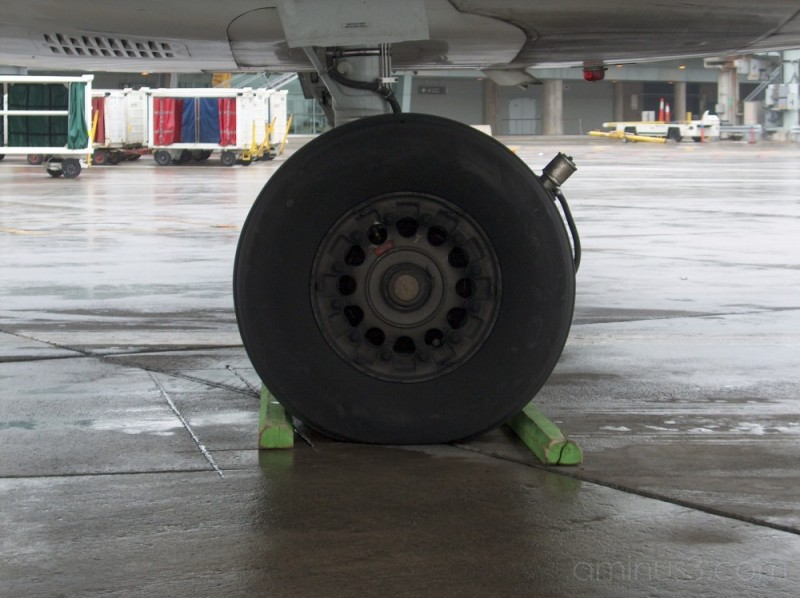 chalked wheel of MD-80