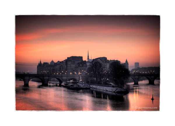 Ile de la cité at dawn, Paris France. HDR like.