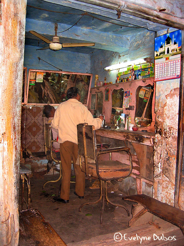 The barbershop. (India)