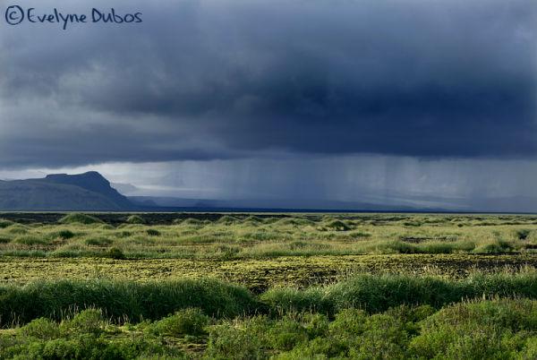 Le rideau de pluie.  (Islande)
