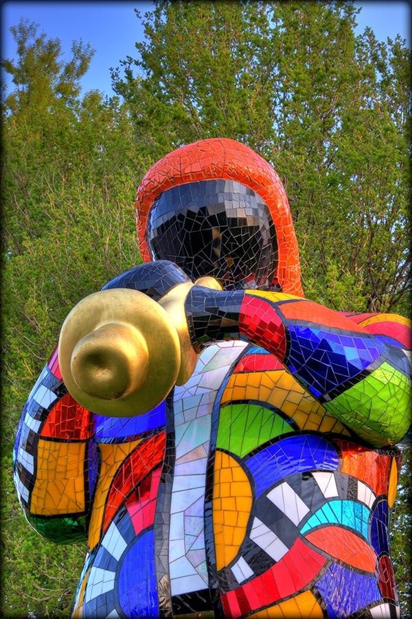 Niki de Saint Phalle mosaic in the MBG