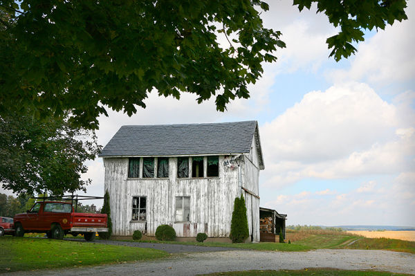 dilapitated barn on farm