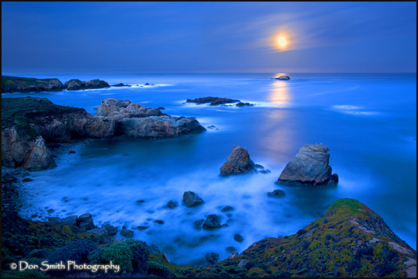 setting moon, dawn, big sur, silky water