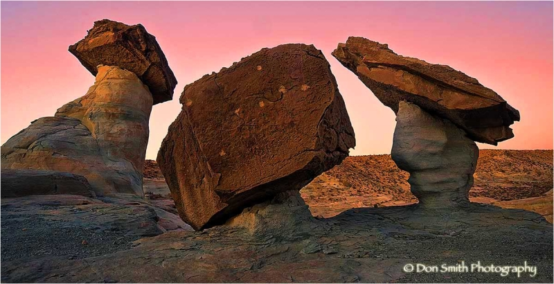 Pedestal rocks at Stud Horse Point, Arizona.