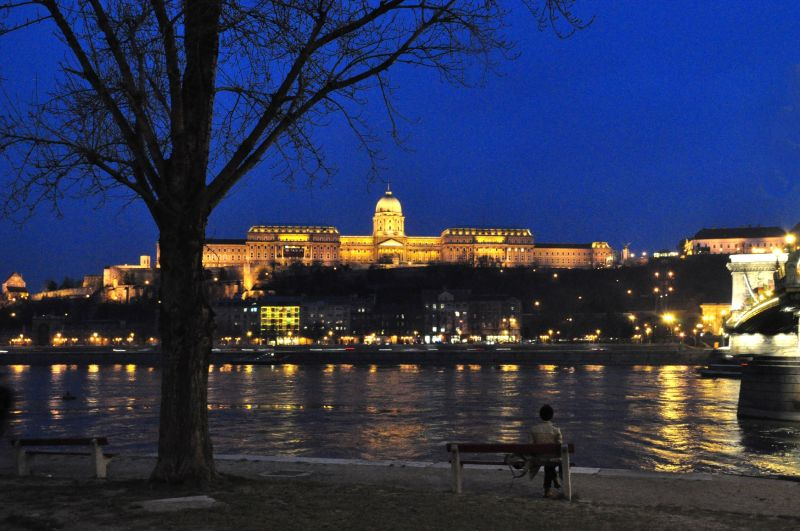 BUDAPEST BY NIGHT-3