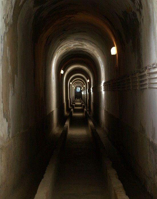 Lisbon aqueduct gallery