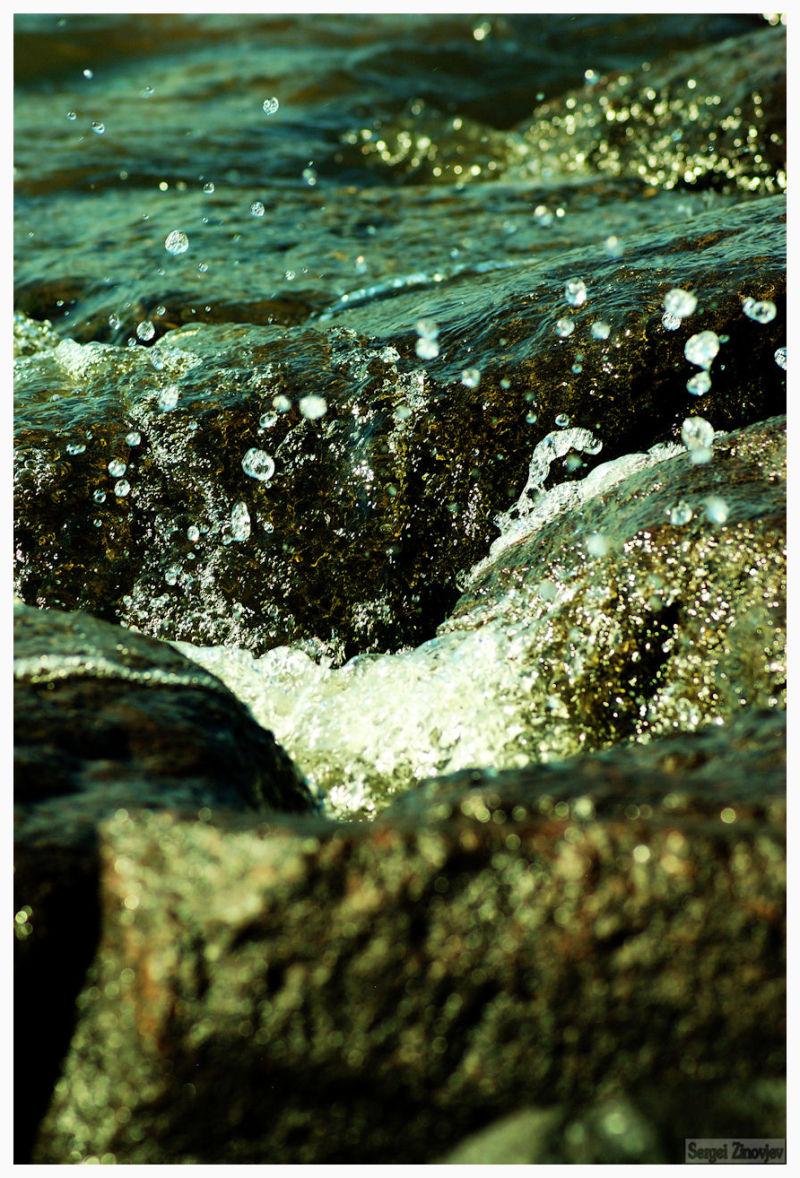 waves again stones
