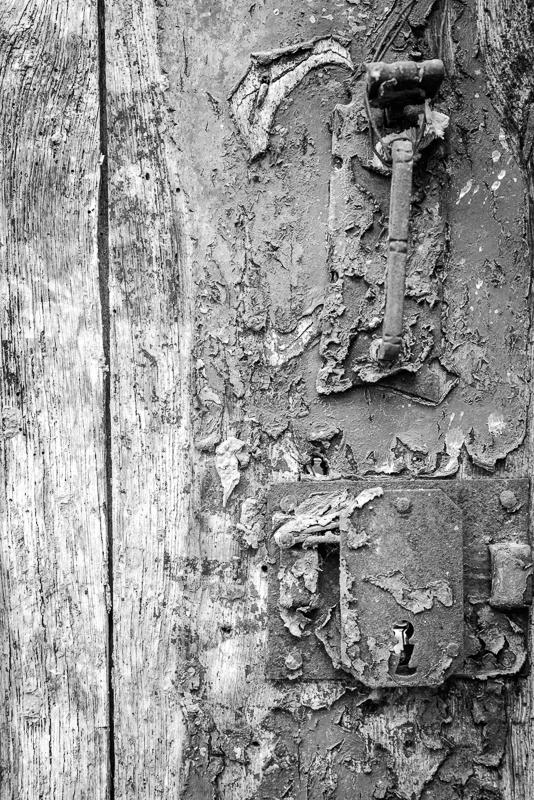Wooden door (reprise)