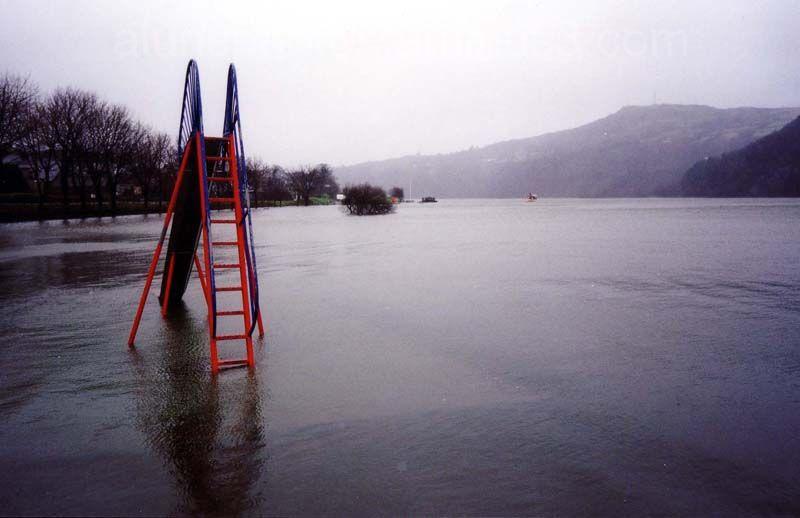 Under water playground