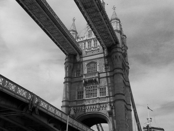 Monochrome London 5