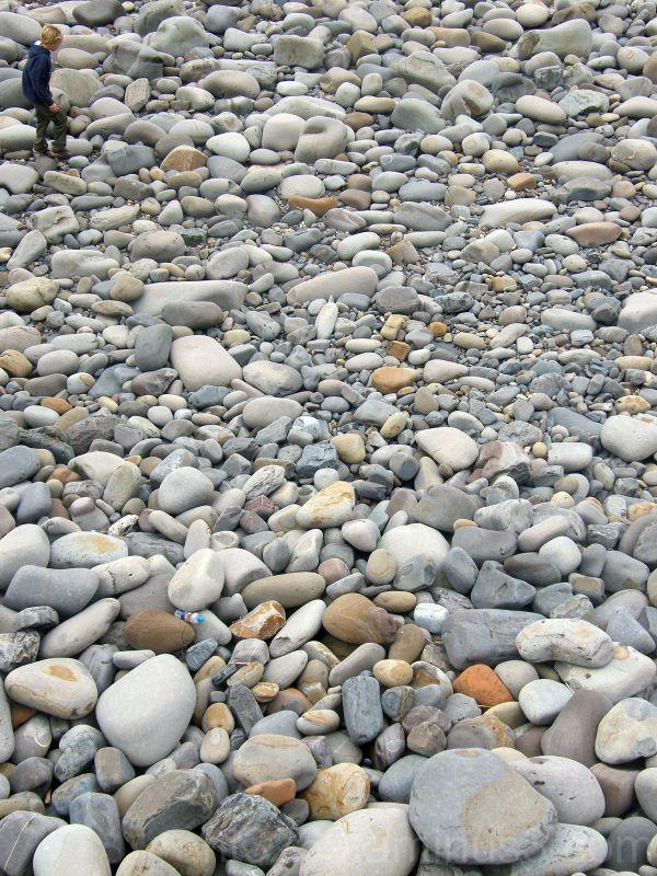 Big pebbles,little pebbles