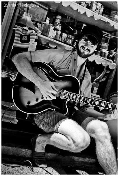The guitar man in b&w
