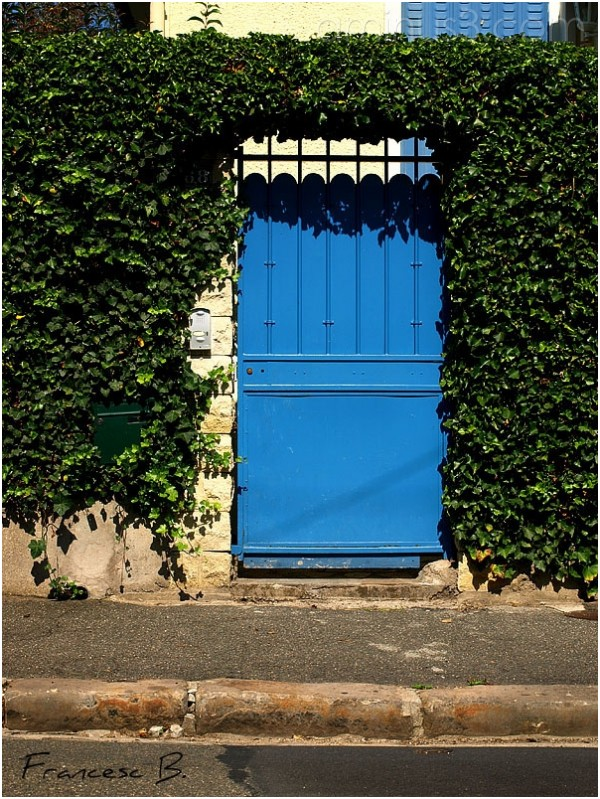 Le portail bleu