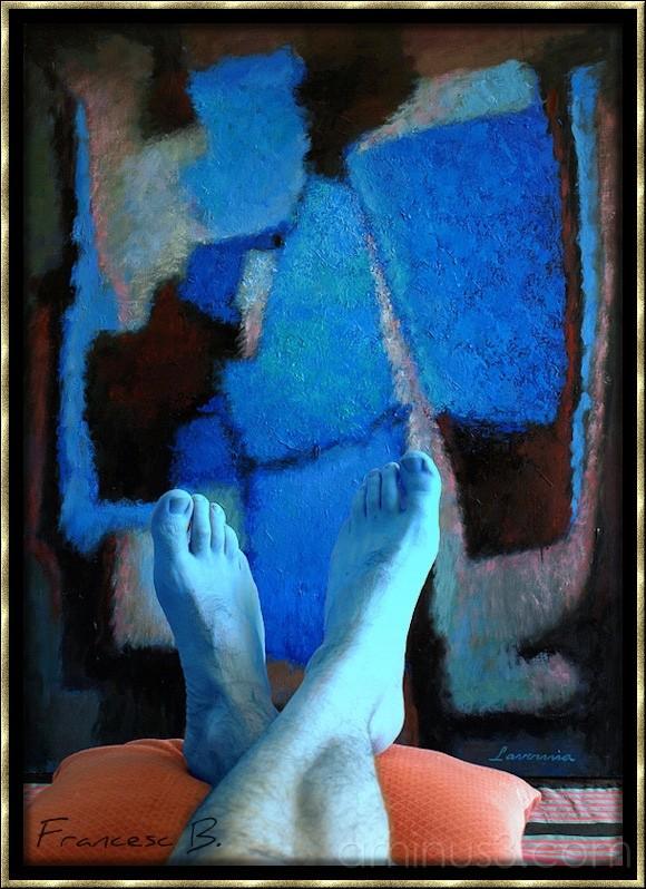 Mes pieds dans du bleu