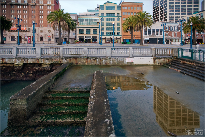 Morning along the Embarcadero in San Francisco