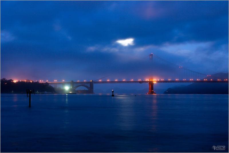 Wolf Moon illuminates the Golden Gate