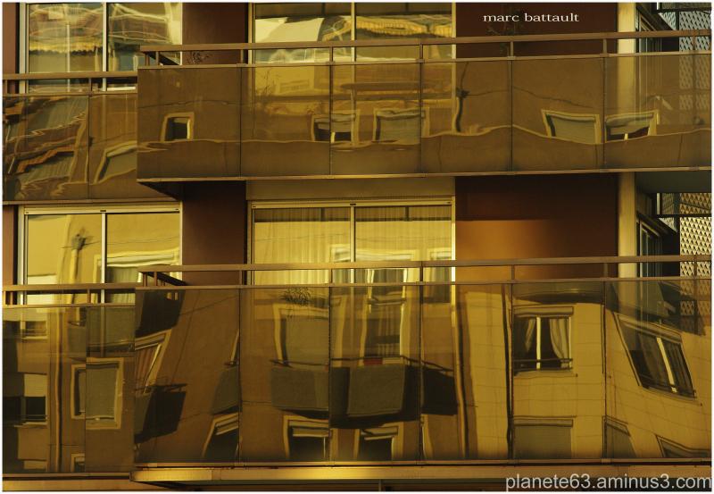 urban reflection..................................