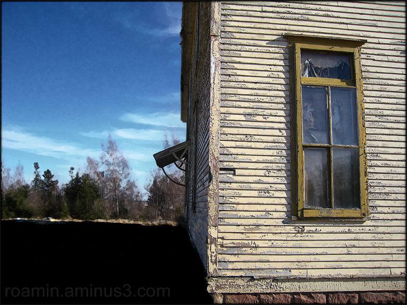 abandoned schoolhouse roadtrip north roamin