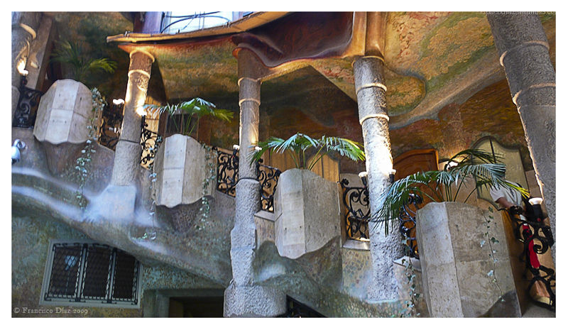 Gaudí: Casa Milà, Escalera