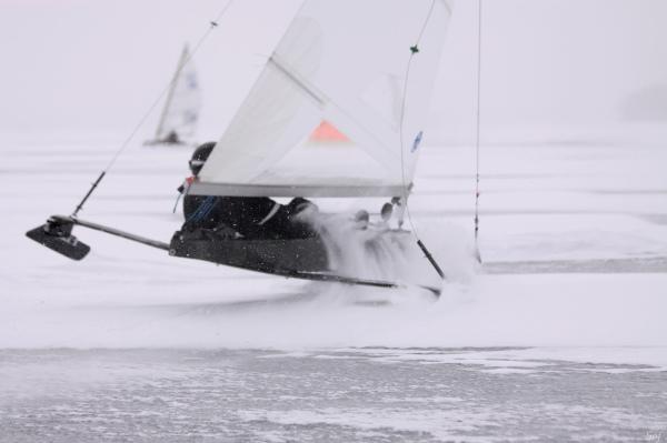 voile sur glace, DN