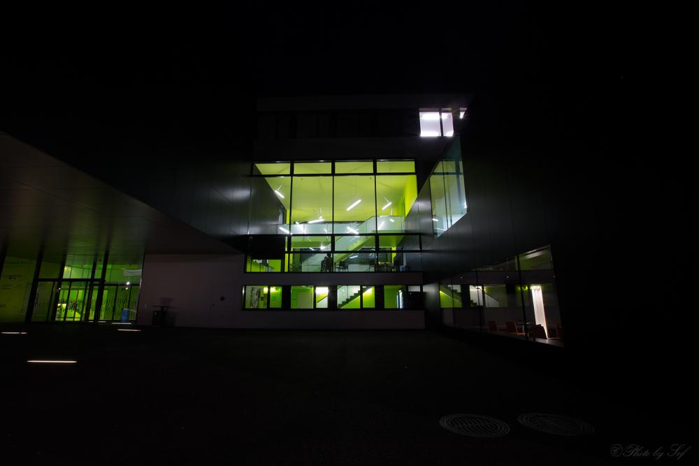Neuchâtel de nuit,