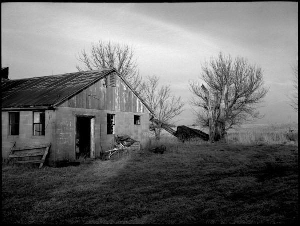 old farm in kansas, b&w photo, farm picture