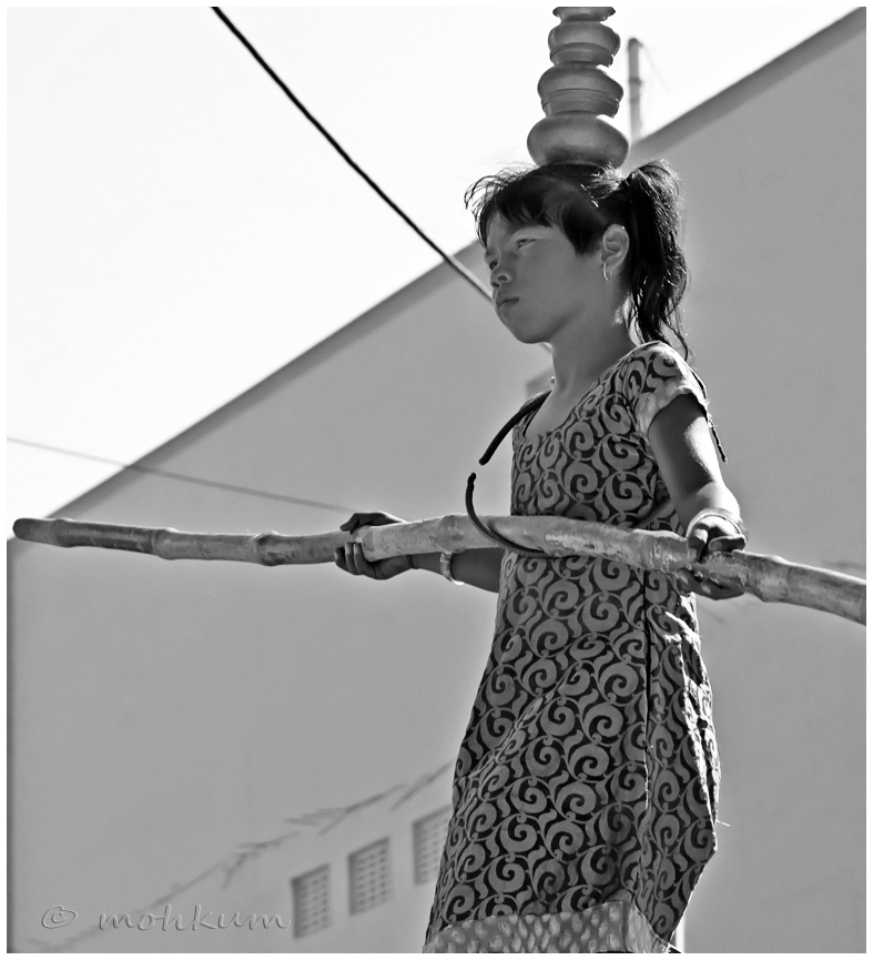 The girl on the wire! (1 of 3)