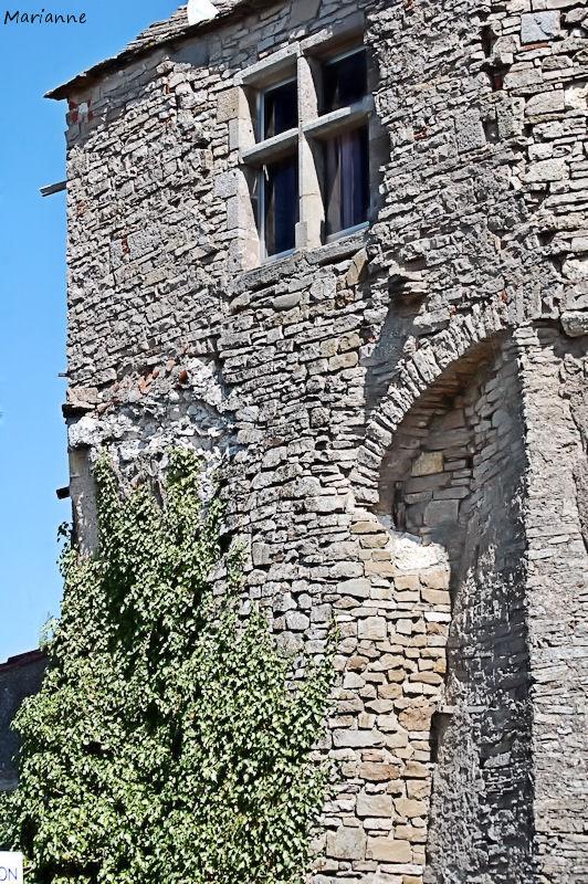 murs de pierre au soleil, Cordes (81)