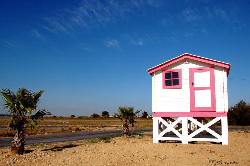 Le châlet rose au bord de l'eau, Aude .