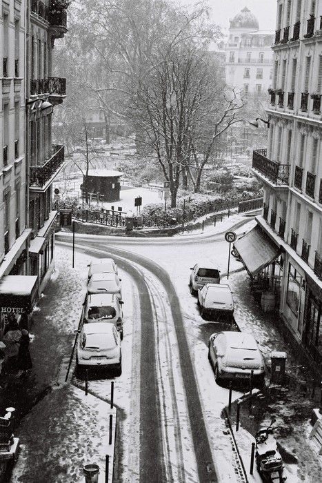 Square Montholon sous la neige - Paris