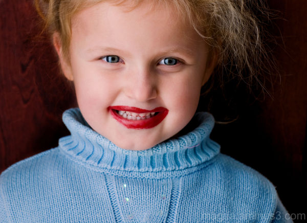 Mommy, I found your lipstick!