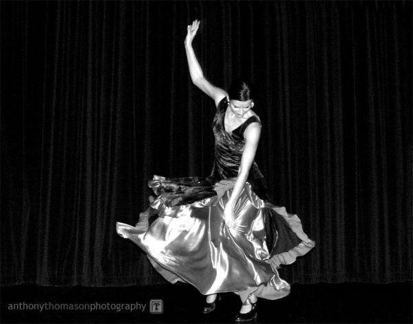 Image of Flamenco Dancer in black and white