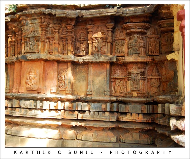 Outer wall of hiremagalur temple architecture photos for Outer wall design architecture