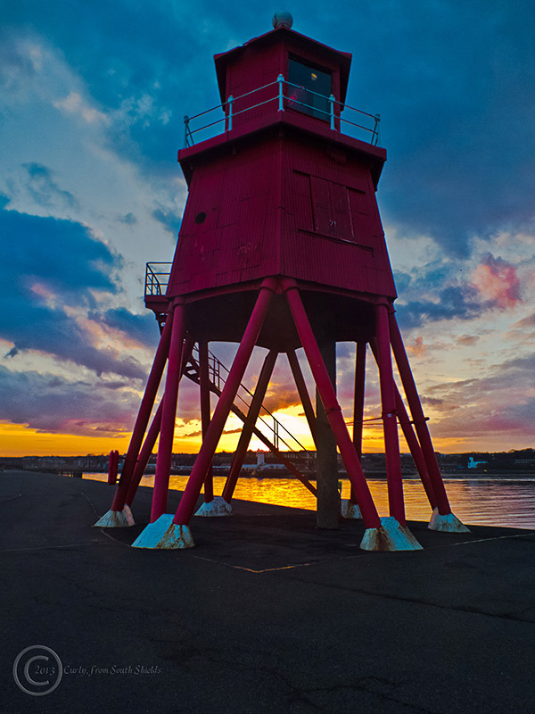 Groyne lighthouse, South Shields
