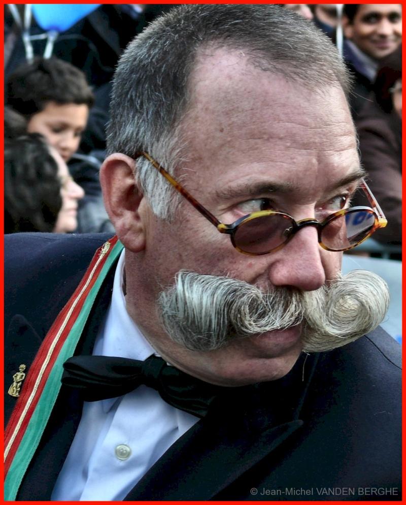 Moustache ?
