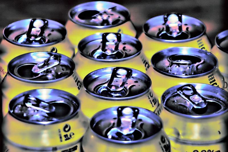 BOQUIABIERTAS...como latas de cerveza vacias.