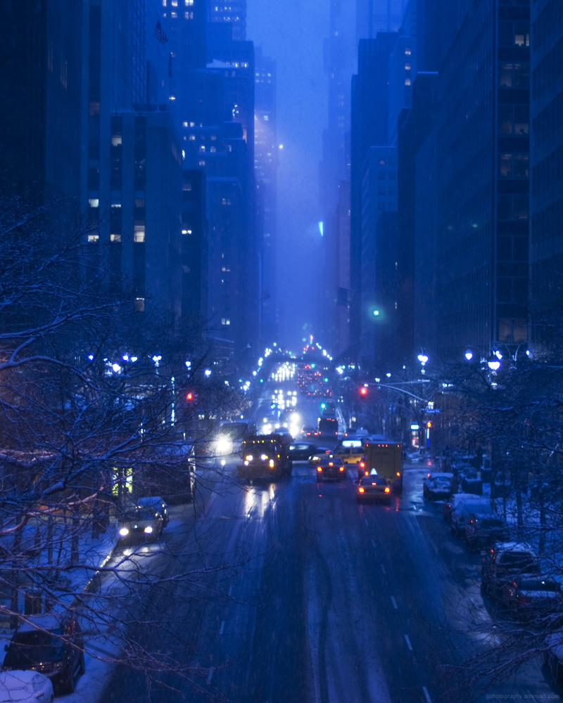 Snowy day on 42nd street