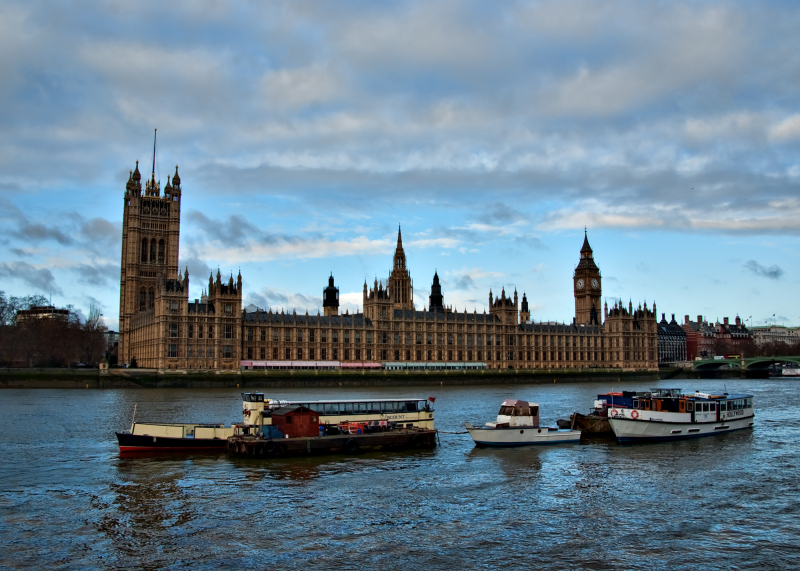 Houses of Parliment and Barges