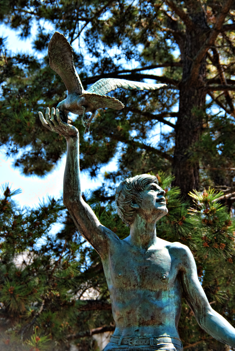 A statue at Mysteic Seaport Museum
