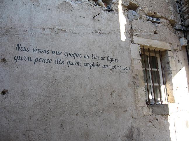 citation sur les murs charité sur loire