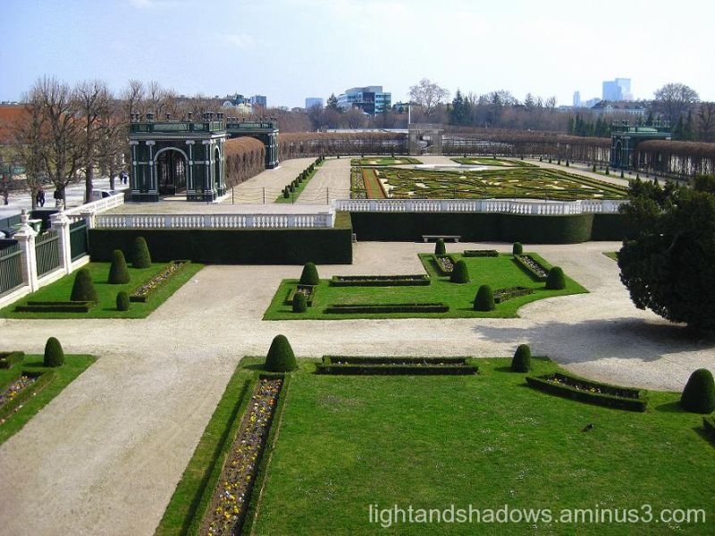 garden of shonbrunn palace