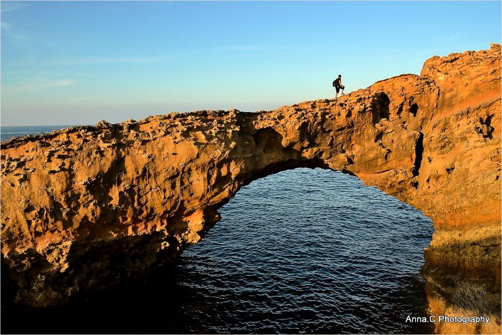 Climbing on the arc