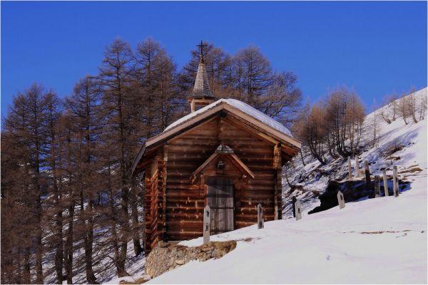 La chapelle en mélèze