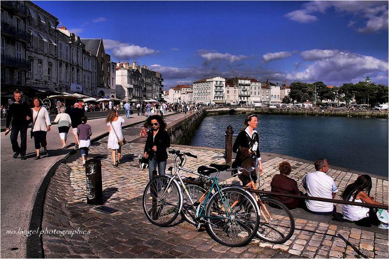 En me baladant sur les quais  de La Rochelle...