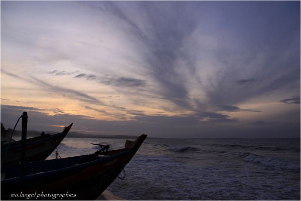 Le jour se lève sur la mer de Chine