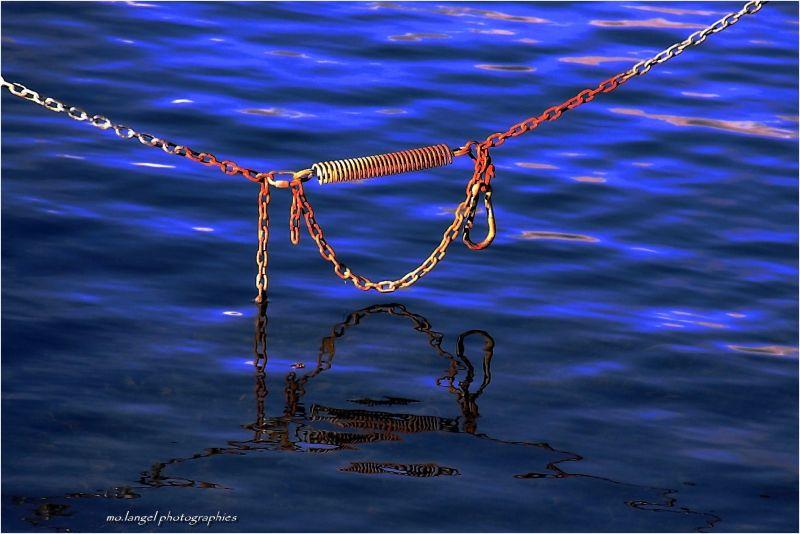 Les eaux enchaînées